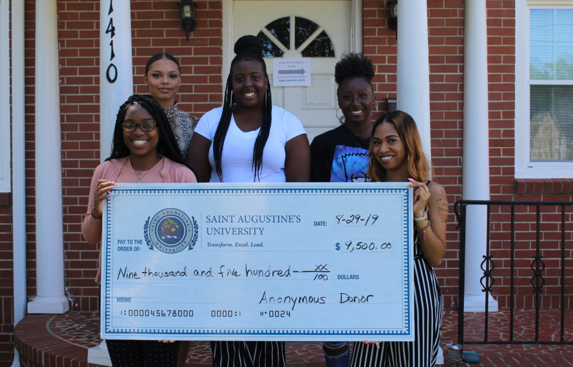 5 students receive $9500 scholarship to bridge the gap